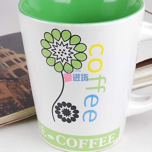绿色花纹字母杯子(带勺)