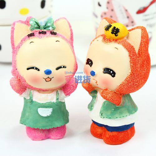 可能会有少量误差) 产品描述: 可爱的小狐狸,情人的摆设必备品,树脂