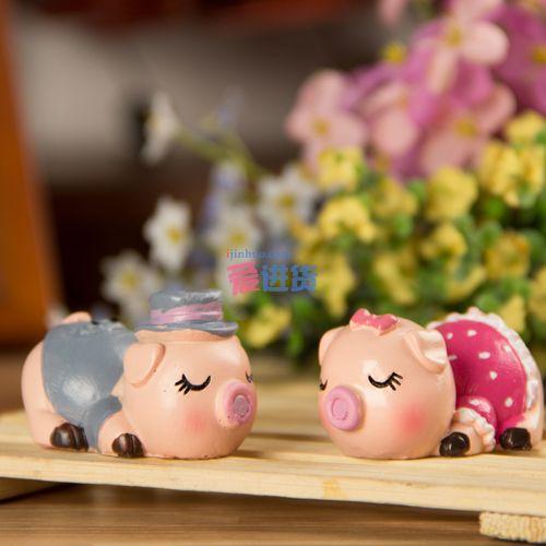 桌面摆件/装饰摆件/树脂摆件   产品描述: 本款情侣小猪桌面摆件/装饰
