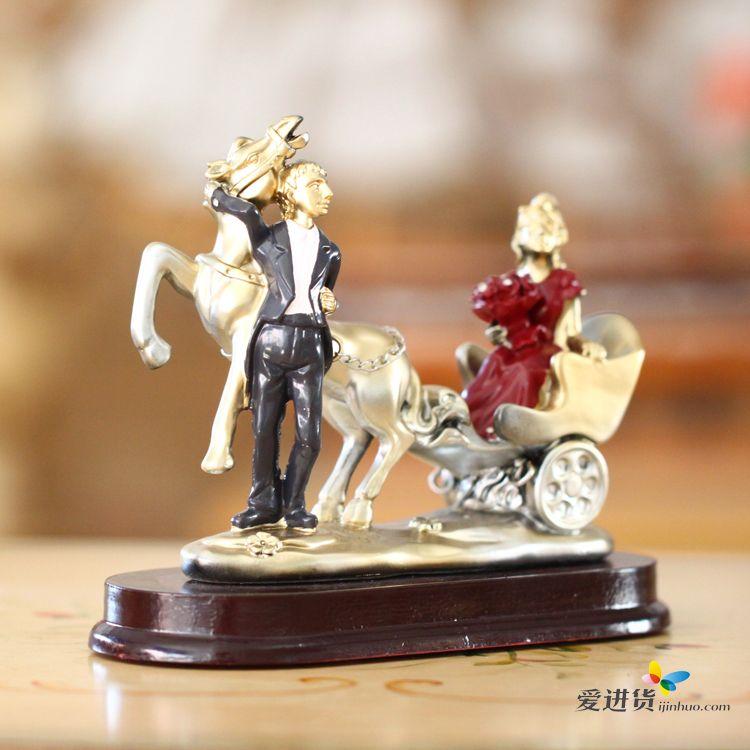 欧式家居人物工艺品 树脂马车情侣摆件装饰品 结婚礼品